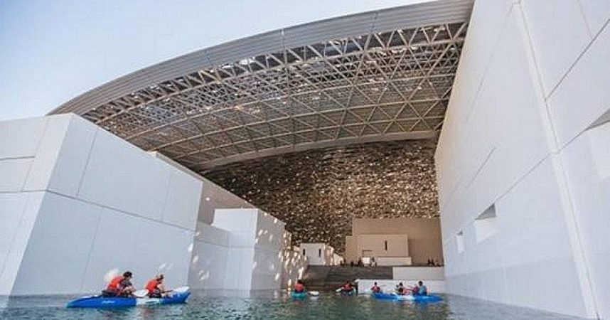 Abu Dhabi offers the Louvre in a kayak